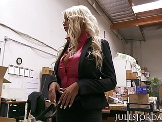 Jules Jordan - Bridgette B fat breast cougar Gets Dredd's fat black cock