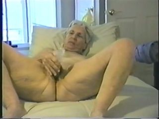 Even though she is old she hasn't forgotten how to worship a dick