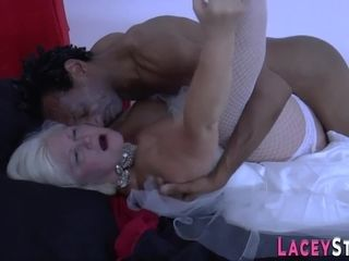 Mature bride sixtynines and gets pounded