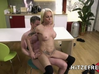 HITZEFREI handsome blond cougar plumbed in the kitchen
