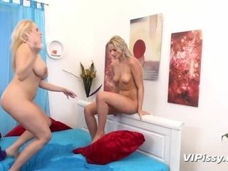 'Stunning Blonde Lesbians Kiss And Piss'
