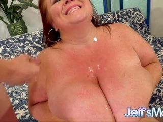 Sensational Plumper Lady Lynn Gives Skinny BF a Taste of Her Mature Pussy