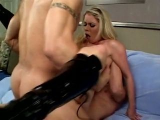 I've just finished jerking off to this hot threesome video
