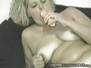 Mature vixen cravingly jamming humungous fuck stick in every fuck-hole