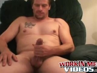 Elderly pink cigar dickblower grasps his ginormous dick and jacks solo