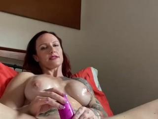 'Horny Australian MILF Slut masturbates, DPs herself & Squirts'