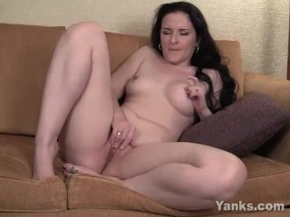 Grimaces Caroline Pierce - groaning MILF|6::Amateur,20::MILF,25::Masturbation,38::HD,2321::Female climax