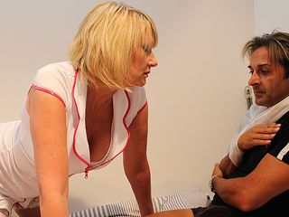 Insatiable Brit nurse gives her patient the utter therapy