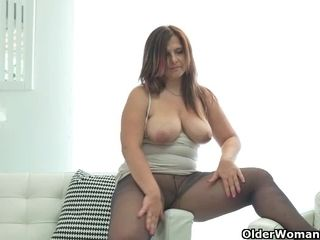 Curvaceous cougar Montse Swinger from Spain sits on fuck stick