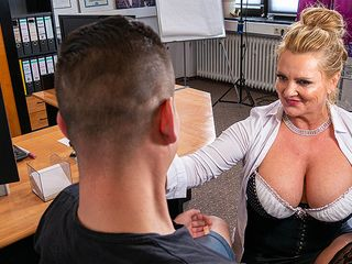 Huge-Boobed German assistant blows and smashes her youthful applicant during job interviewg