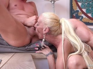 GERMAN SCOUT MATURE YELENA PICKUP AND FUCK AT STREET CASTING