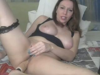 Danish MILF loves to masturbate on cam and I'd love to give her a good ass fuck