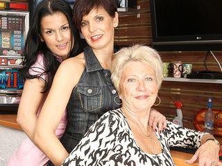 3 aged and youthfull lesbos go ultra-kinky on the rubdown table