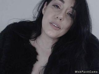 Natural huge tits babe on webcam