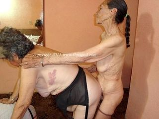 Collection of Amateur Sex Granny Pictures