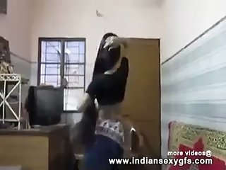Desi Hot Indian College girl Shaking Boobs Dance in Desi Bollywood Song - indiansexygfs.com