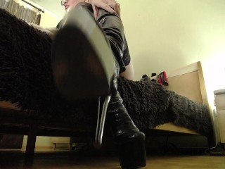 CEI for boots. Stroke your dick loser, cum all over my boots and lick your sperm!