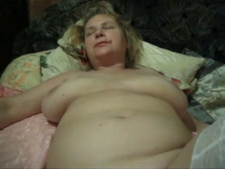 Voluptuous Russian whore Sveta is showing off her sexy body