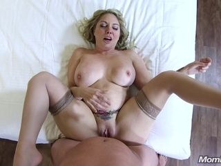 Hefty culo And Honkers ash-blonde mature point of view hookup