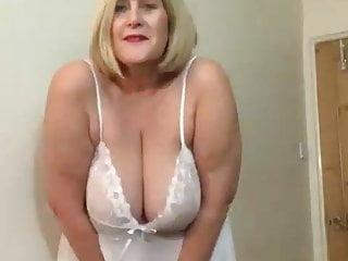 Platinum-blonde phat ass white girl meaty knocker