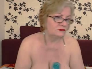 Chubby granny in nylon stockings playing with big sex toy