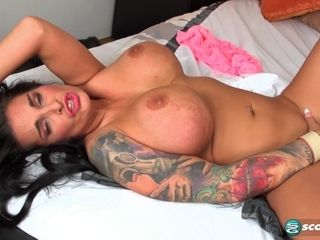 Supah buxom dark-haired cougar with cool forms tugging solo in 1080p