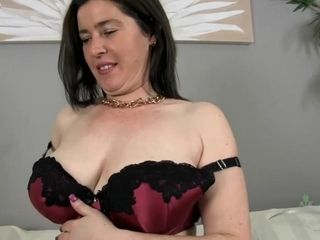 Hairy cunt mature SBBW Masturbation