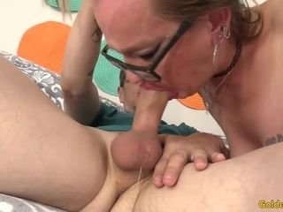Sunny Day stretches Her culo Cheeks for big black cock