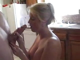 Jaw-dropping Housewife humps in the Kitchen