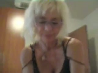 Italian mature whore is giving me an amazing blowjob