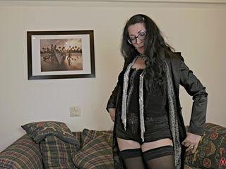 mature mom in stockings & eyeglasses masturbating solo - amateur