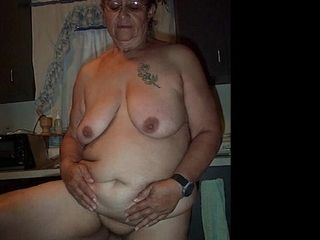 ILoveGrannY Amateur old woman Pictures in Slideshow