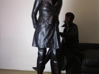 Sunday in leather frosts: switch roles and jizz on my frost