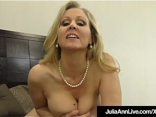 Unbelievable cougar Julia Ann masturbates A wood Into Her jaws &amp_ palms!