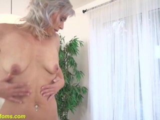 Granny frolicking her elder dry pussy|16::Mature,25::Masturbation,38::HD,2321::Female climax