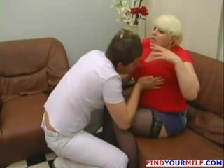 Russian Amateur Mom Goes Wild 01