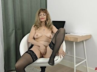 Grandmother mega-bitch With tights - super-fucking-hot Solo sesh