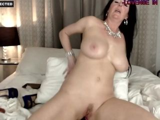 Titillating Housewife enjoys To have fun With Her titillating brown sphincter