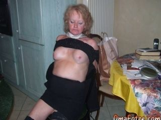 OmaFotzE Milfs and Moms Stripped and Photo shooted