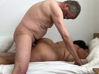 boss turns cougar into his bitch - Amateurs Sex