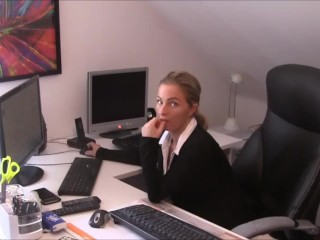 Poke ! Distress with chief in the office! Nylons poke!