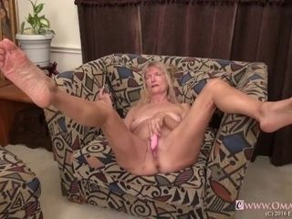Omageil mischievous grandmother onanism her older pussy|6::Amateur,25::onanism,38::HD,44::Compilation