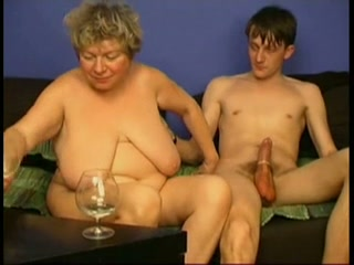 Hooking up with a horny granny sucking and fucking like there's no tomorrow