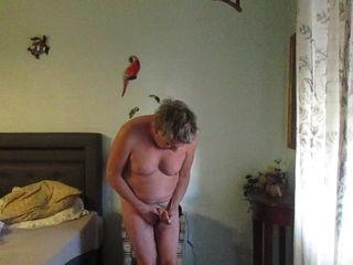 Fat and horny slut masturbating
