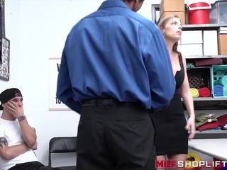 Shoplifting Britney Amber dicked down by security officer