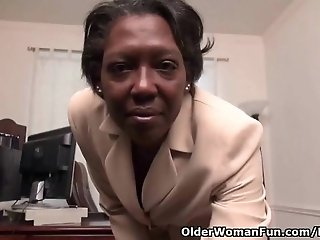 WWW.XXXFUSS.COM - Office granny Amanda strips off and plays with her old pussy 52