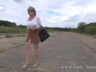 Mature light-haired female Sonia strokes outdoors|1::Big orbs,16::Mature,25::Masturbation,26::light-haired,38::HD
