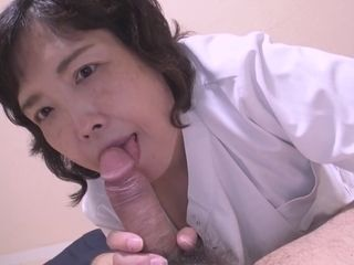 Japanese granny Mimaki Kojima gets banged at the casting